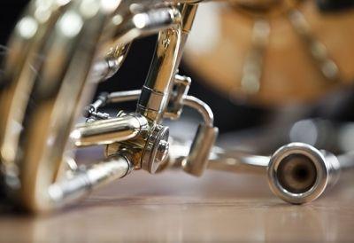 Blechblasinstrumentenerzeuger_in - BlechblasinstrumentenerzeugerIn