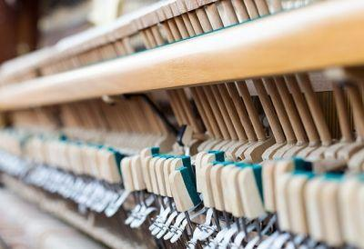Klavierbau_467369873 Lehrberuf
