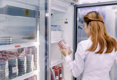 Pharmatechnologie_620377070 - Pharmatechnolog(e)in