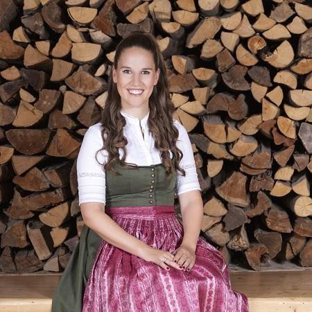 Elisabeth%20Hauser-Benz_Ansprechpartner%20Personal%20STANGLWIRT_3 - Stanglwirt GmbH