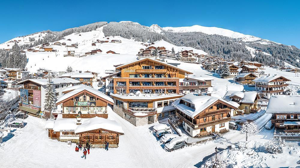 Tuxerhof-Winter-12HotelTuxerhofKarrieremitLehreTirol