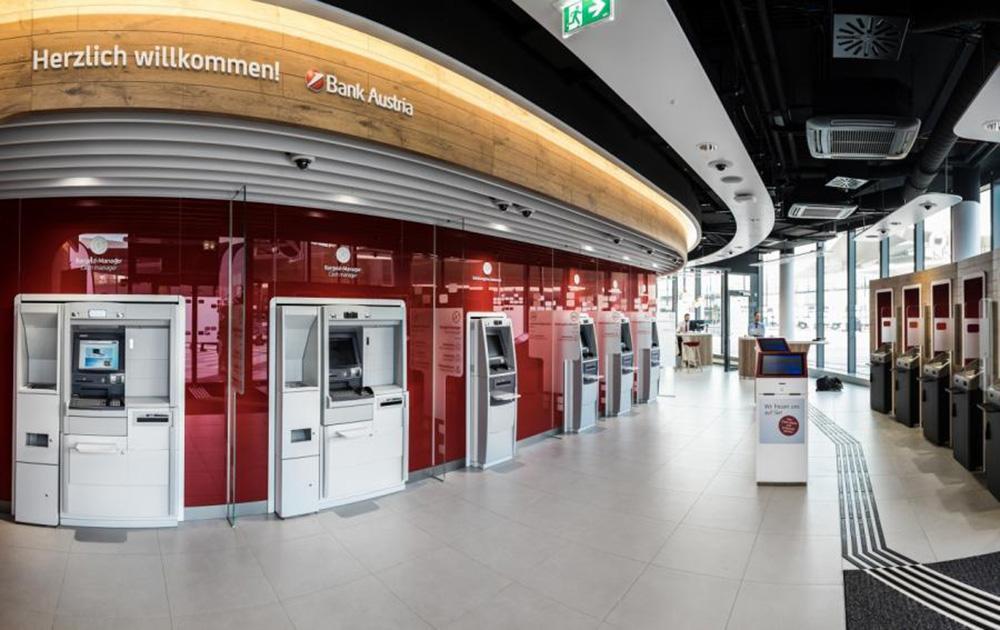 unicredit-bank-austria-agfilialehbffoyerKarrieremitLehreTirol